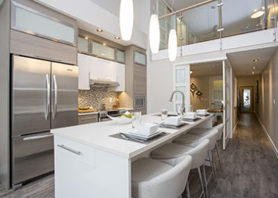 060 LR_kitchen_one flex door open