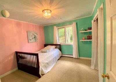 18 Bedroom2 (2)