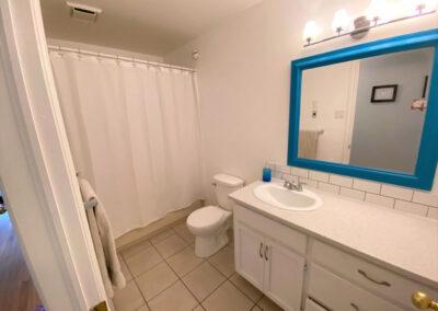 19 Bathroom3 (2)