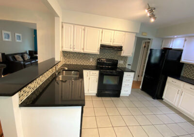 9 Kitchen (1)