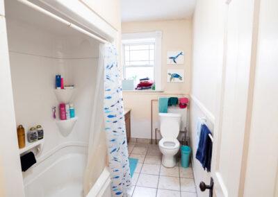 15 Middle Unit Bathroom