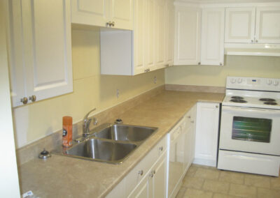 22 Lower Unit Kitchen